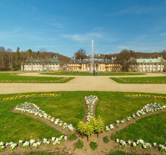Das Schloss Pillnitz im März